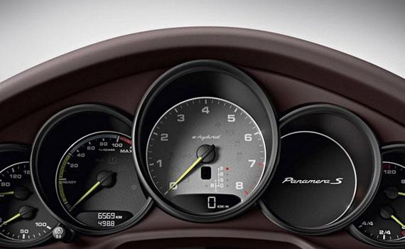 Рестайлинговая Porsche Panamera